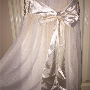 Trixxi Dresses - Trixxi White Glitter Cocktail Dress